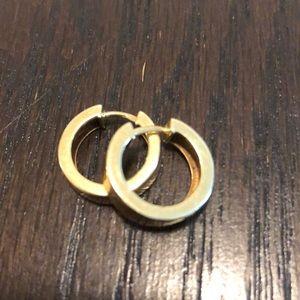 Jewelry - 14k Gold small hoop earrings